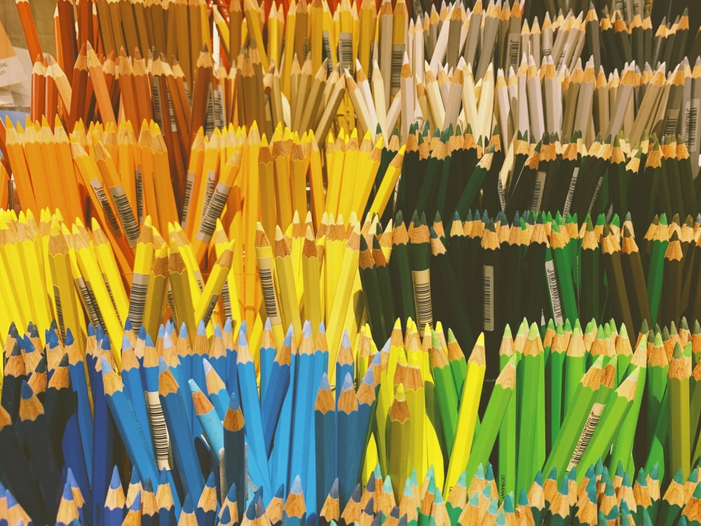 assorted-color colored pencil lot