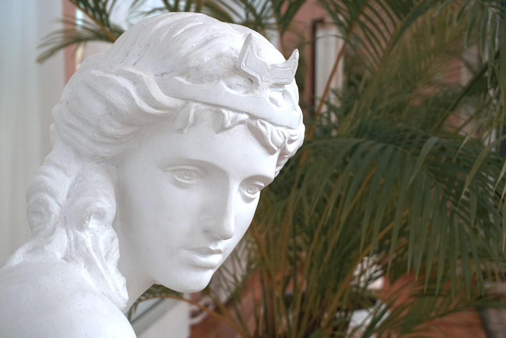 woman's face statue
