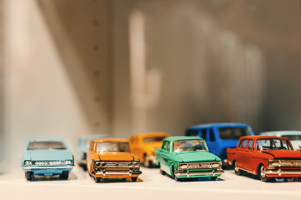 assorted-color vehicle die-cast scale models