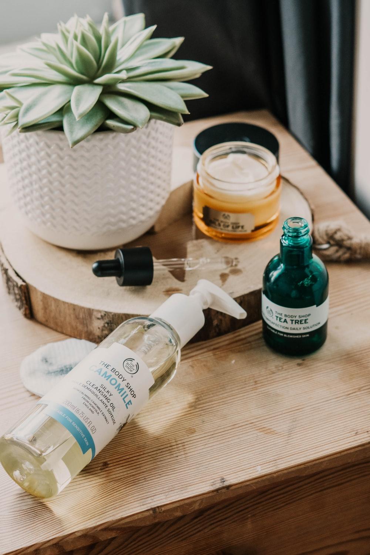 clear plastic pump bottle