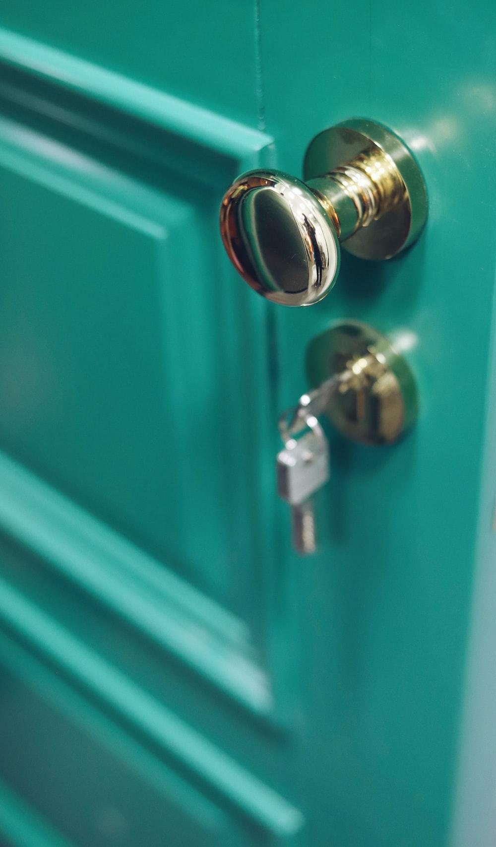 door knob with key