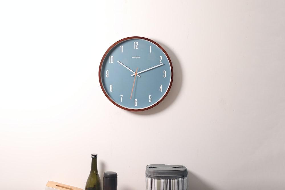 wall clock at 10:11 o'clock