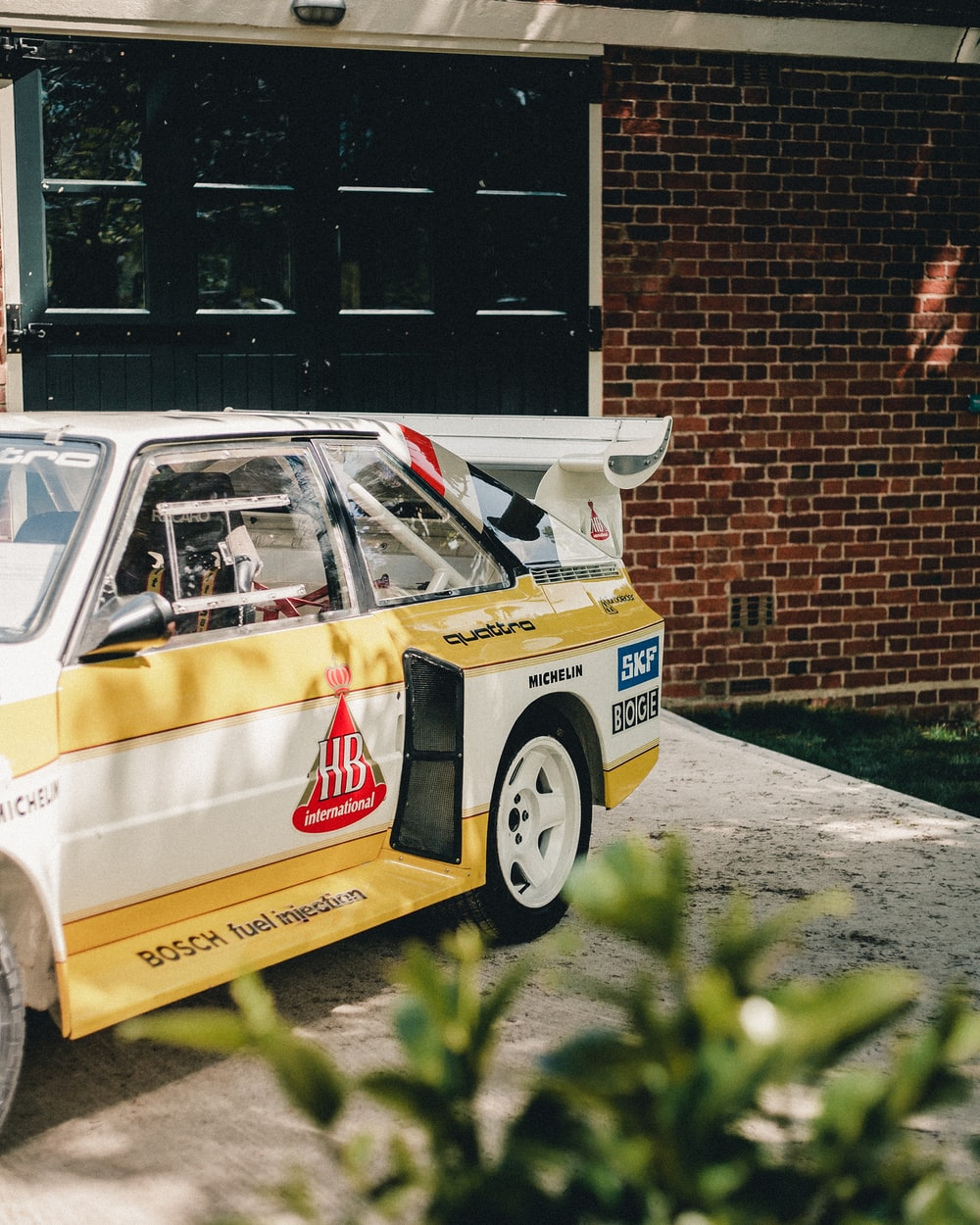 yellow and white racing car