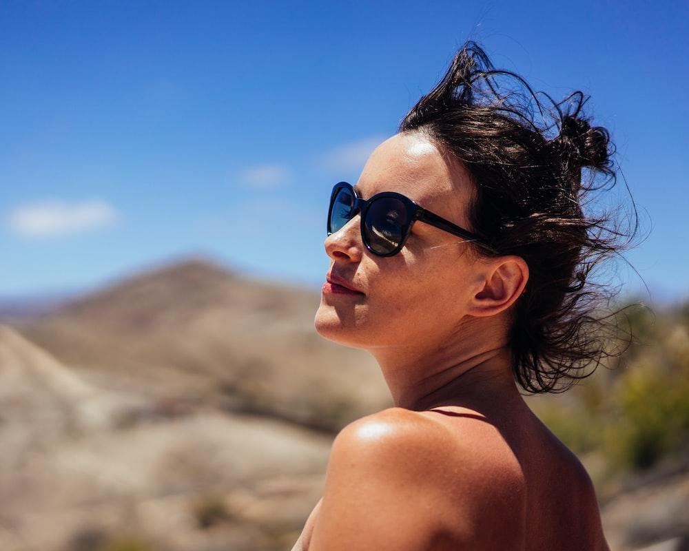 women's black framed sunglasses