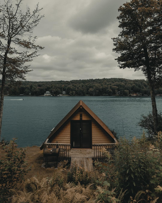 Decorating tiny home
