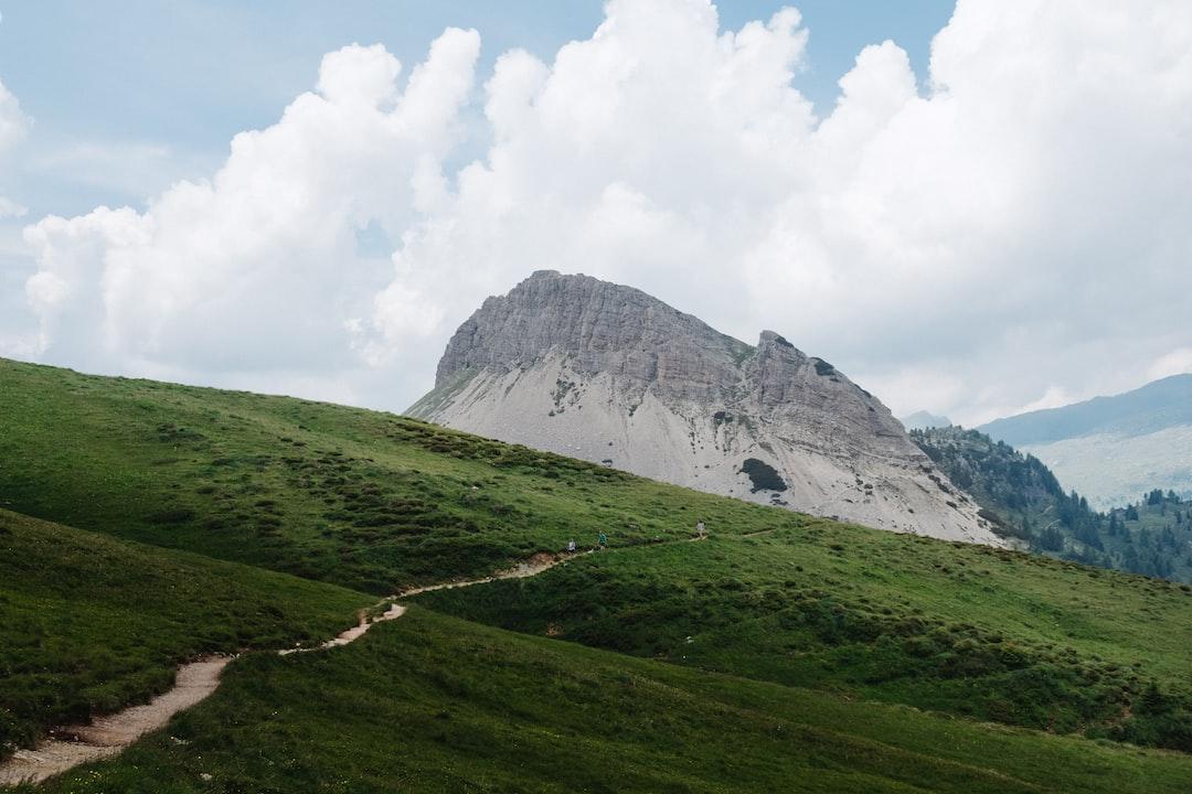 "Path to the Mountain of ""Cristo Pensante"""