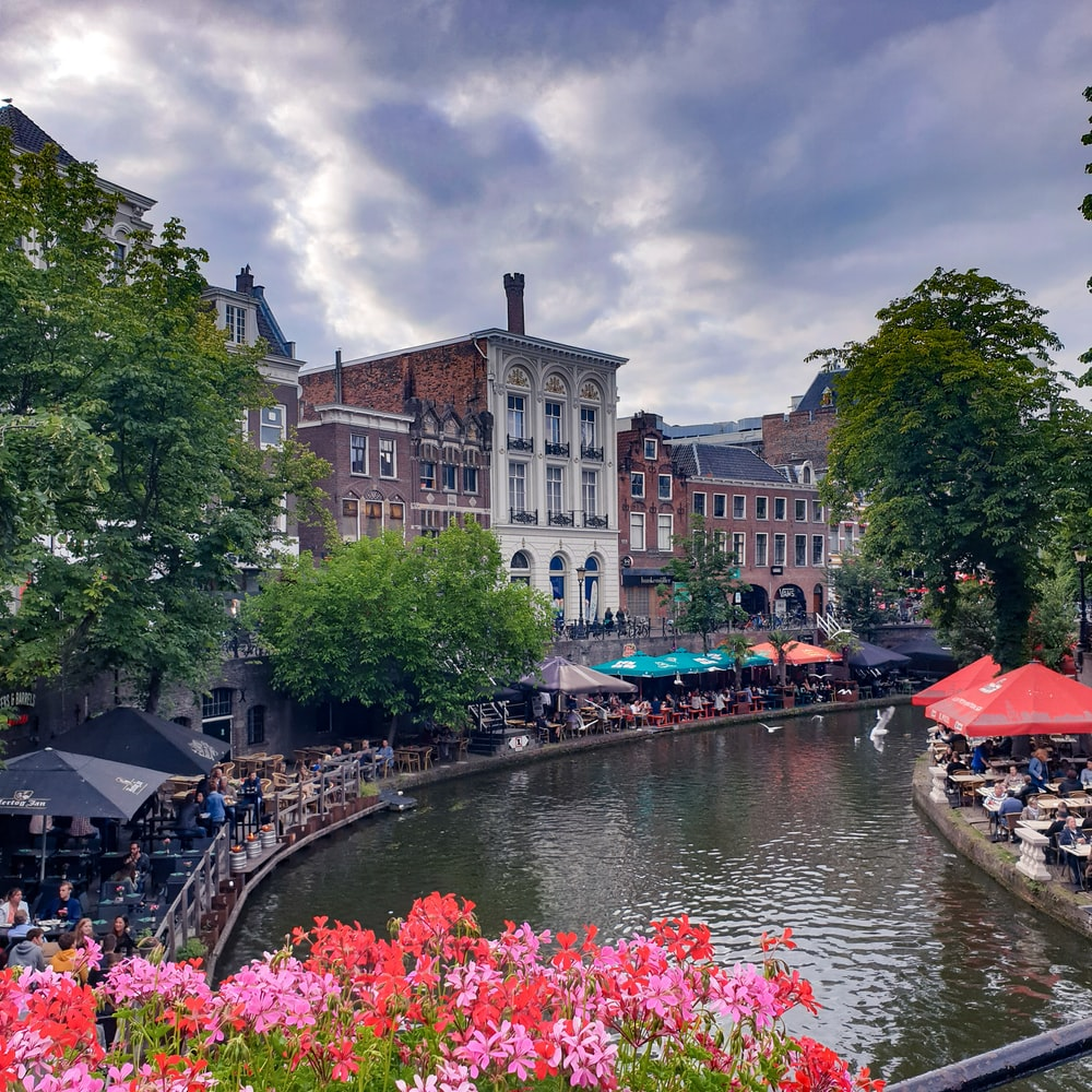 outdoor cafes in both sides of canal