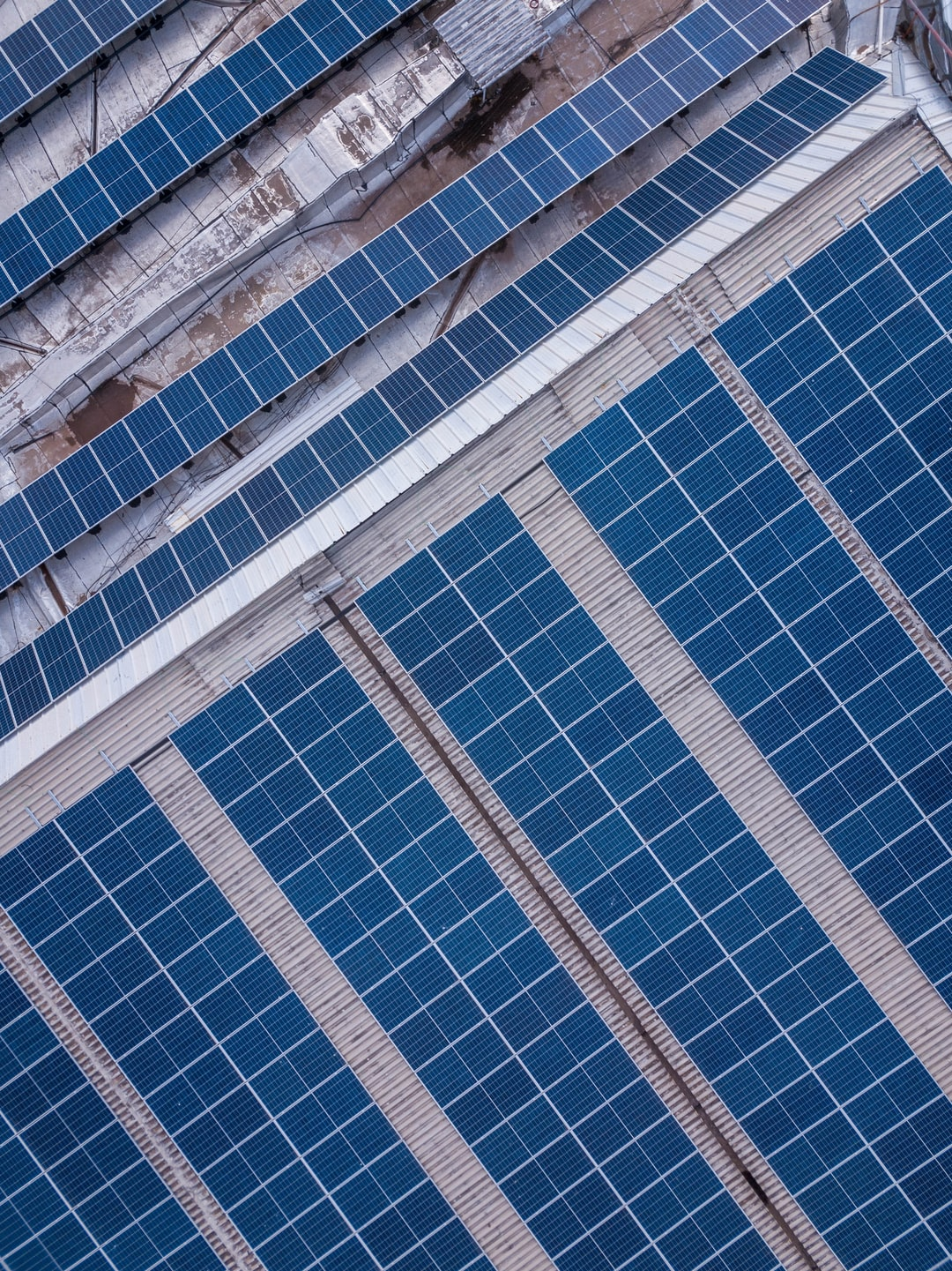 Solar Panels Pros and Cons: Are They Worth it For Your Home?