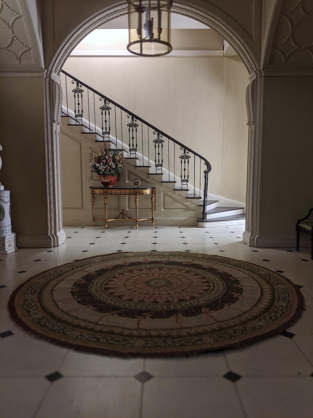 round beige area rug