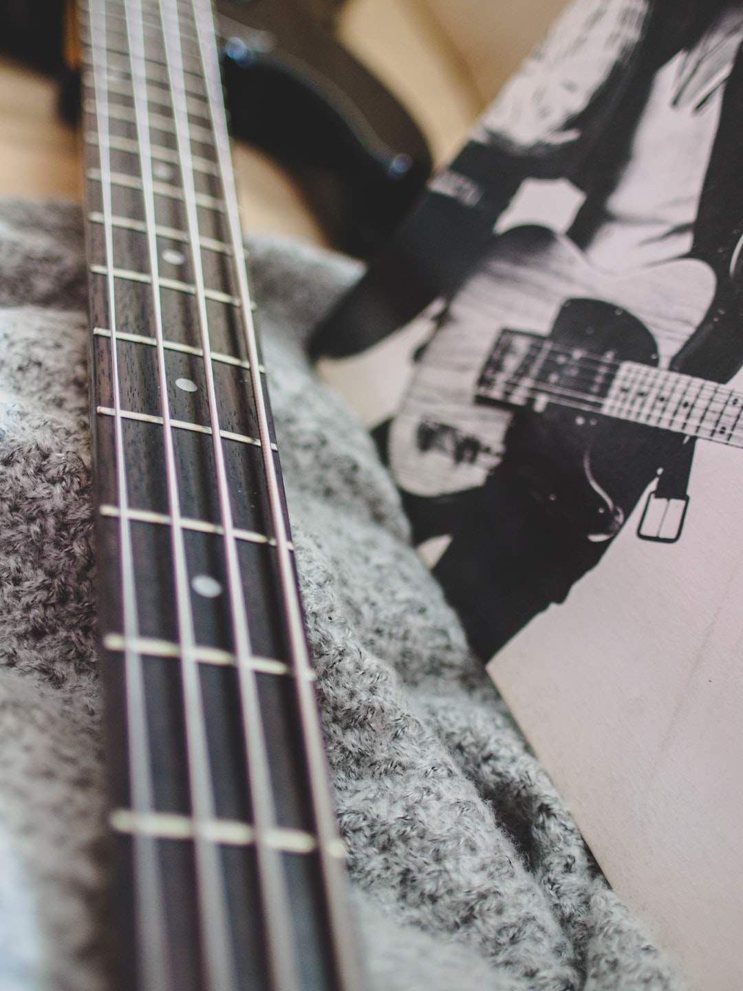 Black Bass Guitar Photo Free Guitar Image On Unsplash
