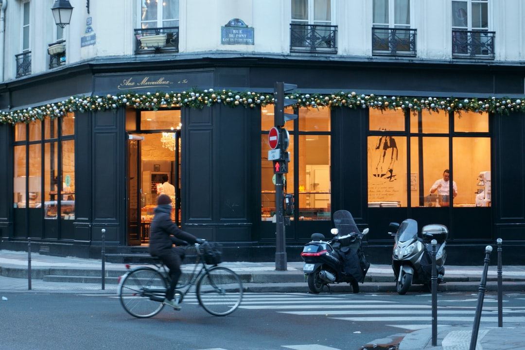Le Marais, Paris. Autumn, early morning. Cycling and making bread.