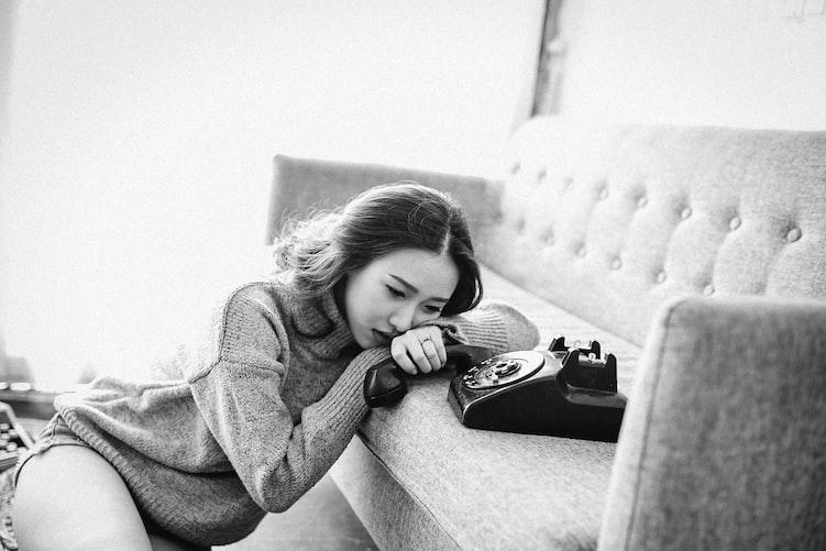 Une femme désespérée. | Photo : Unsplash
