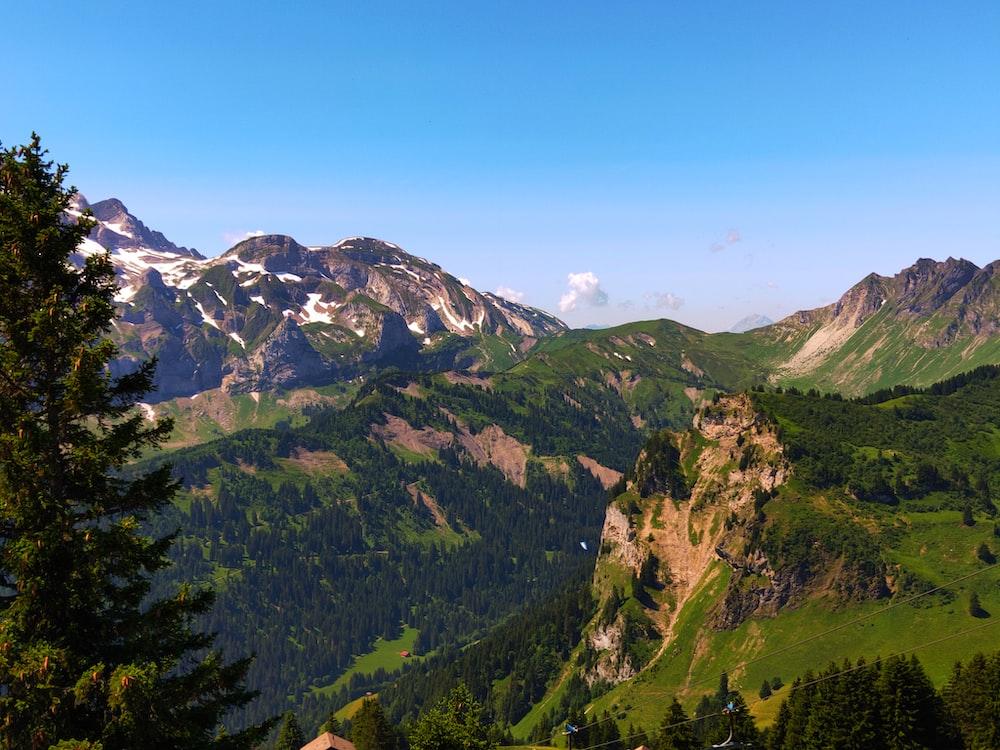 mountain during daytime