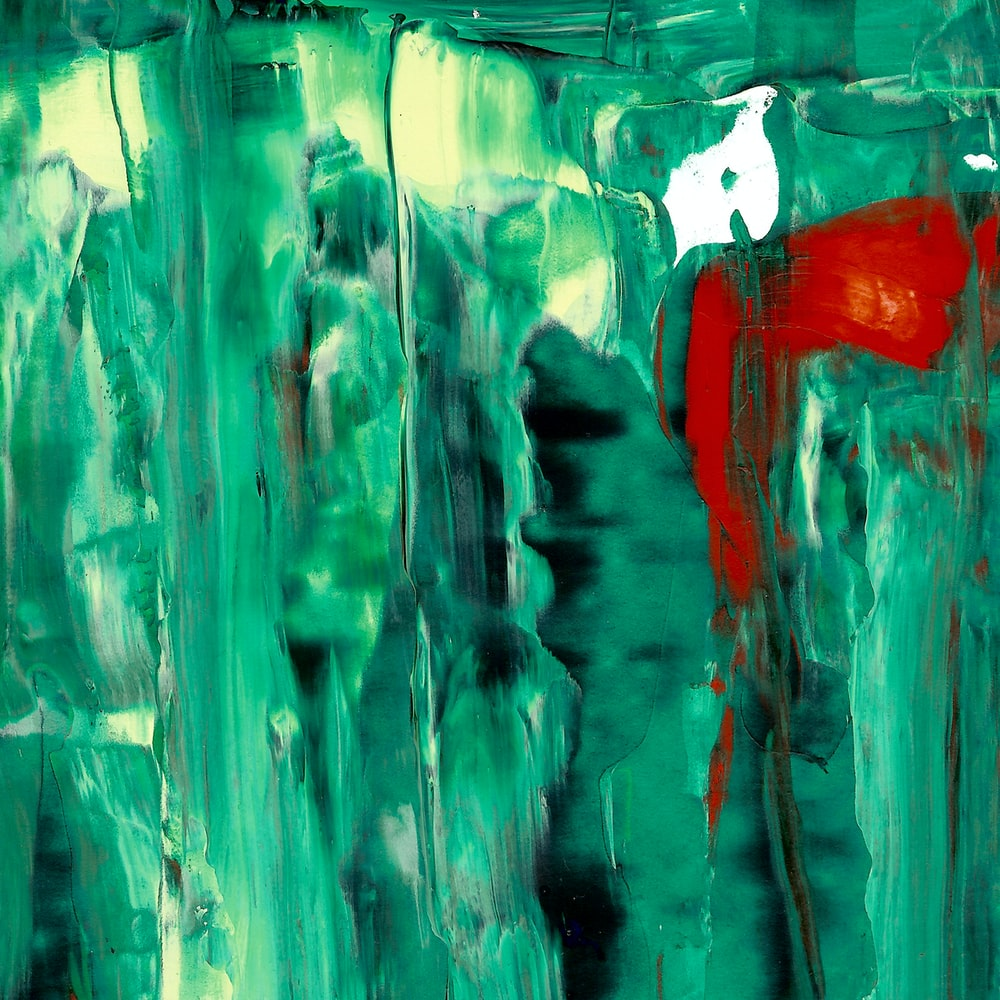 green and red paint