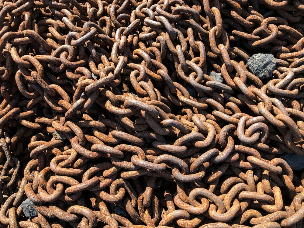 closeup photo of chain
