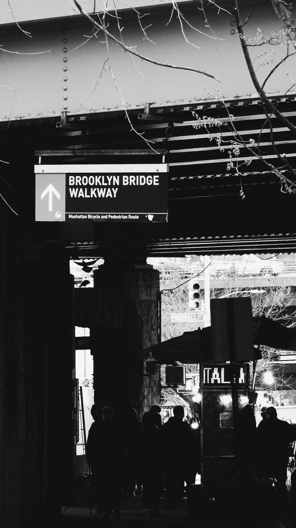 Brooklyn Bridge Walkway signage