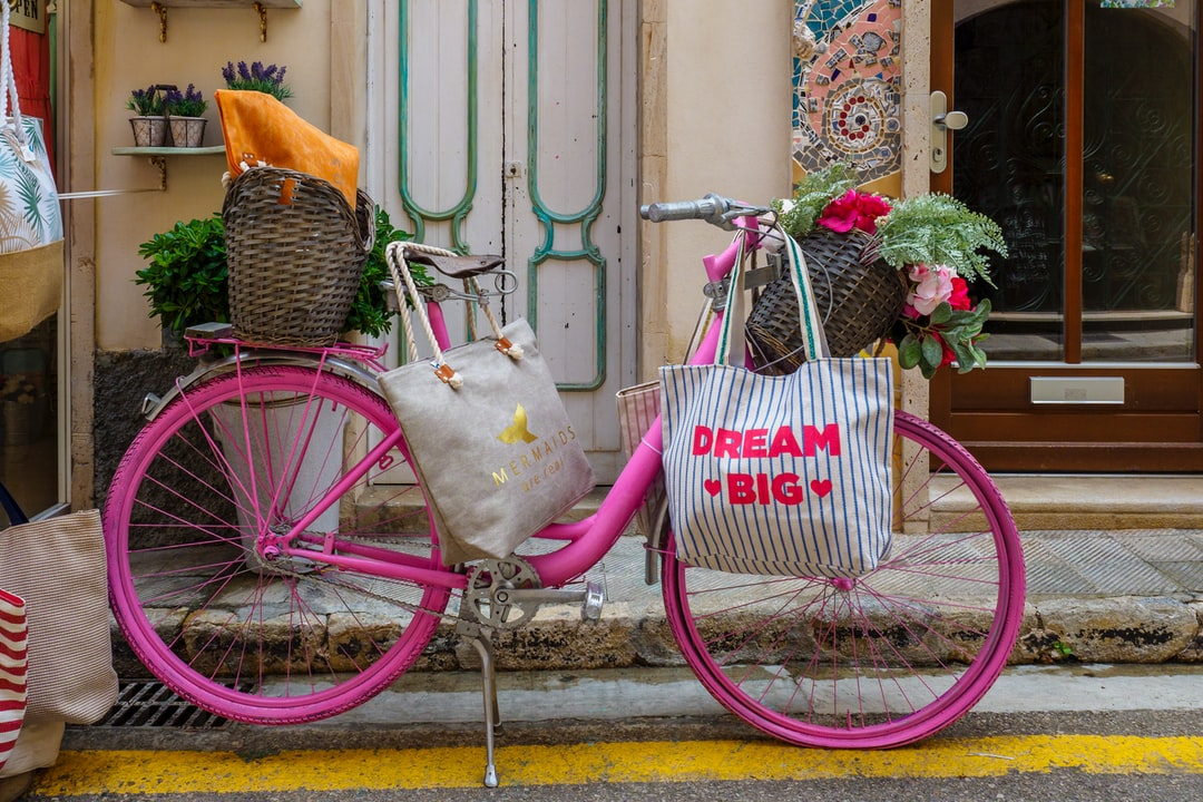 The pink bycicle