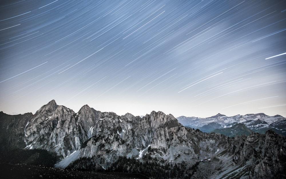 gray concrete mountains
