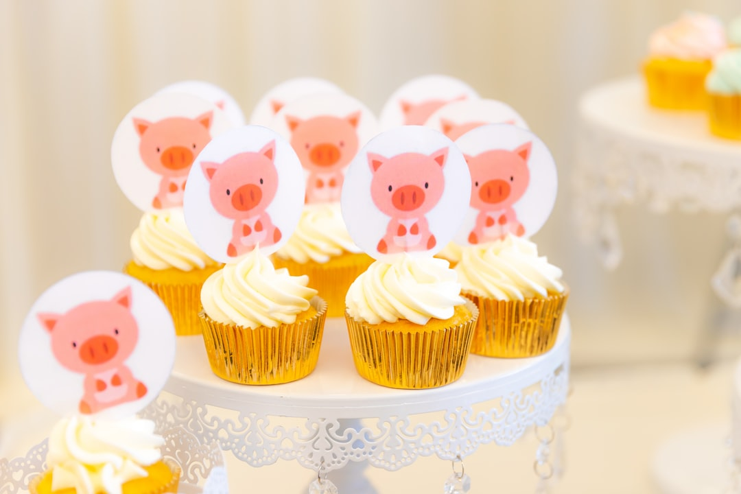 Cute piggy cupcakes at my son's 100th day celebration party.