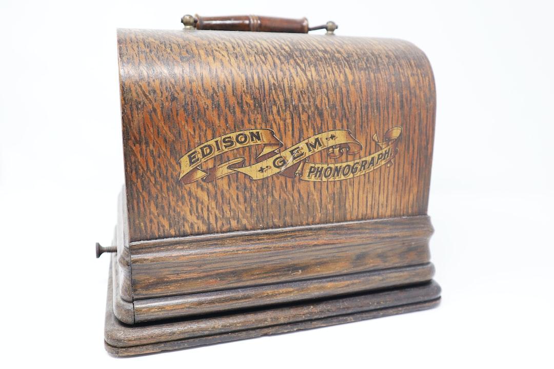 Edison GEM Phonograph Box, early XXth century.