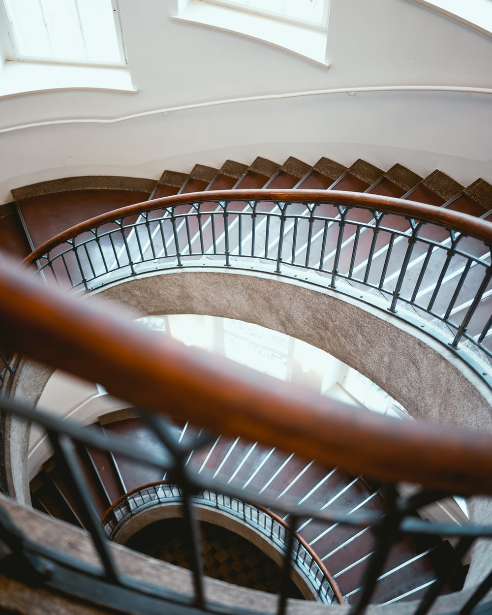 brown stair close-up photography