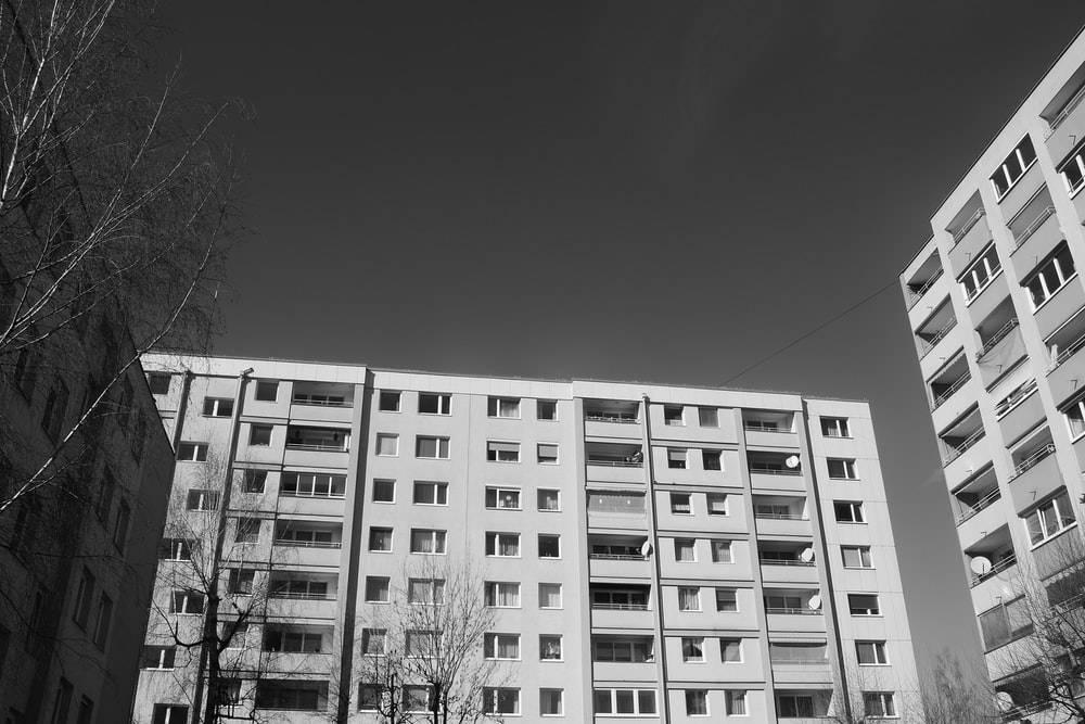 greyscale photo of buildng