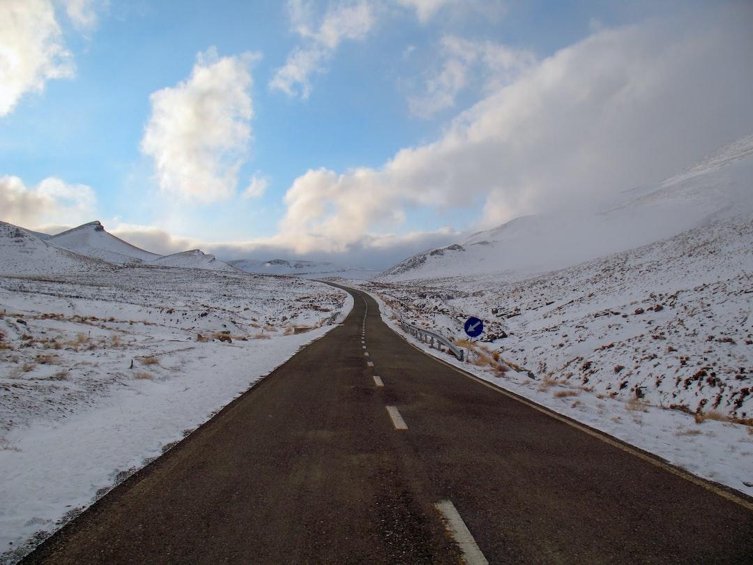تصاویر جاده برفی قم به تفرش - بخش واقع شده در استان قم - مناظر و چشم اندازهای طبیعی (طبیعت) ایران - طبیعت برفی و زمستانی ایران
