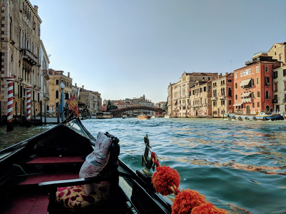 Italy buildings showing lake during daytime