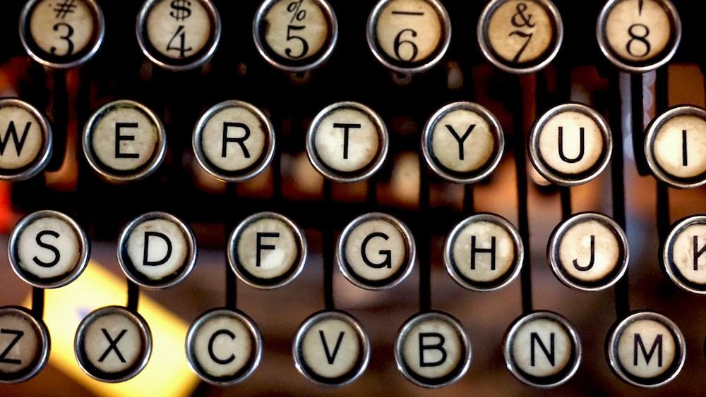 gray and black typewriter