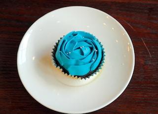 baked cupcake close-up photography