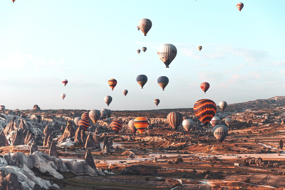 lots of hot air balloons flying