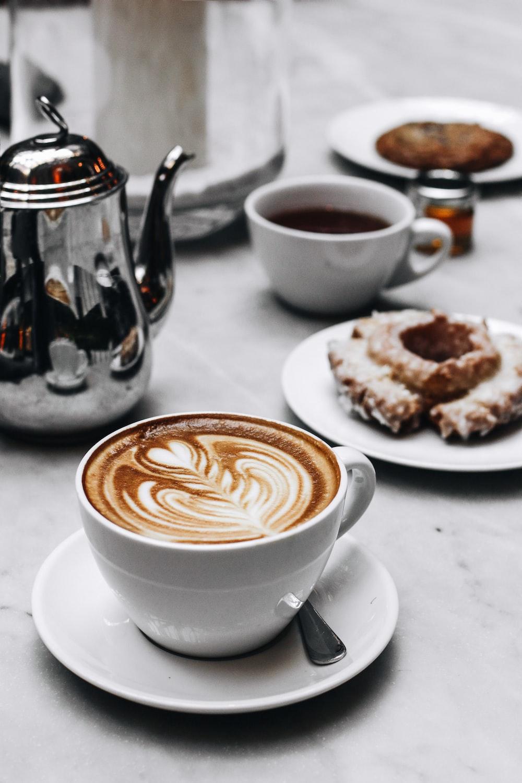 closeup photo of coffee latte in ceramic mug