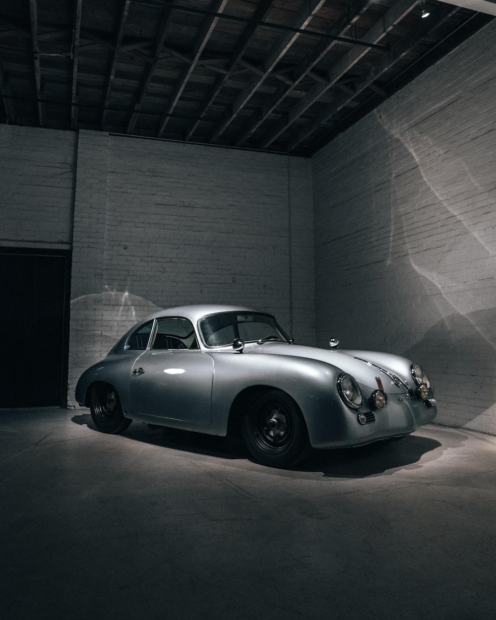 grey car close-up photography
