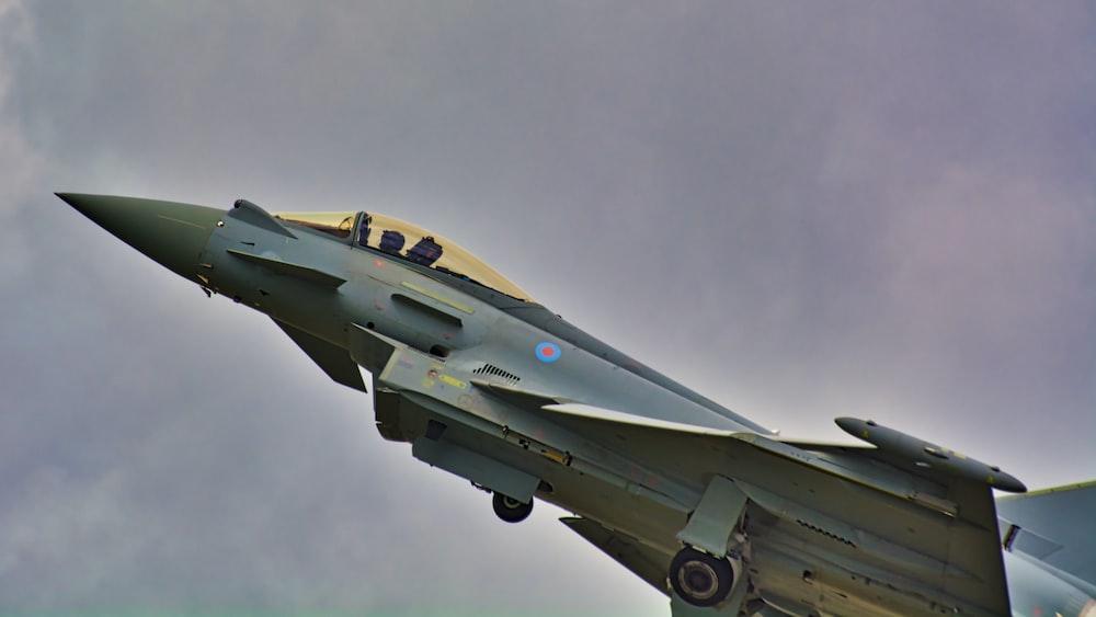 gray jet plane