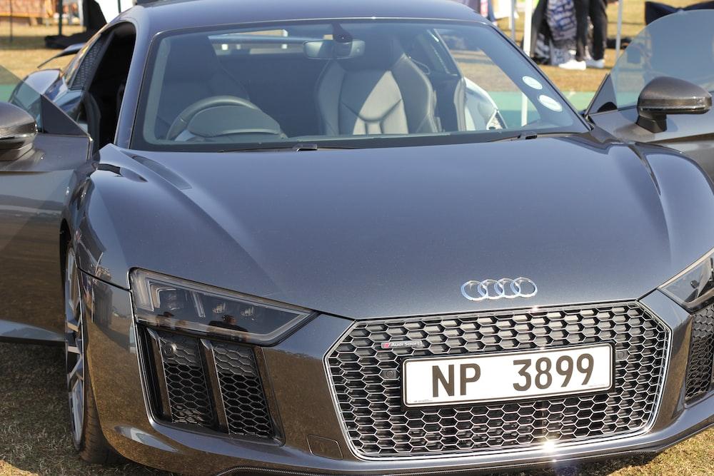 gray Audi R8