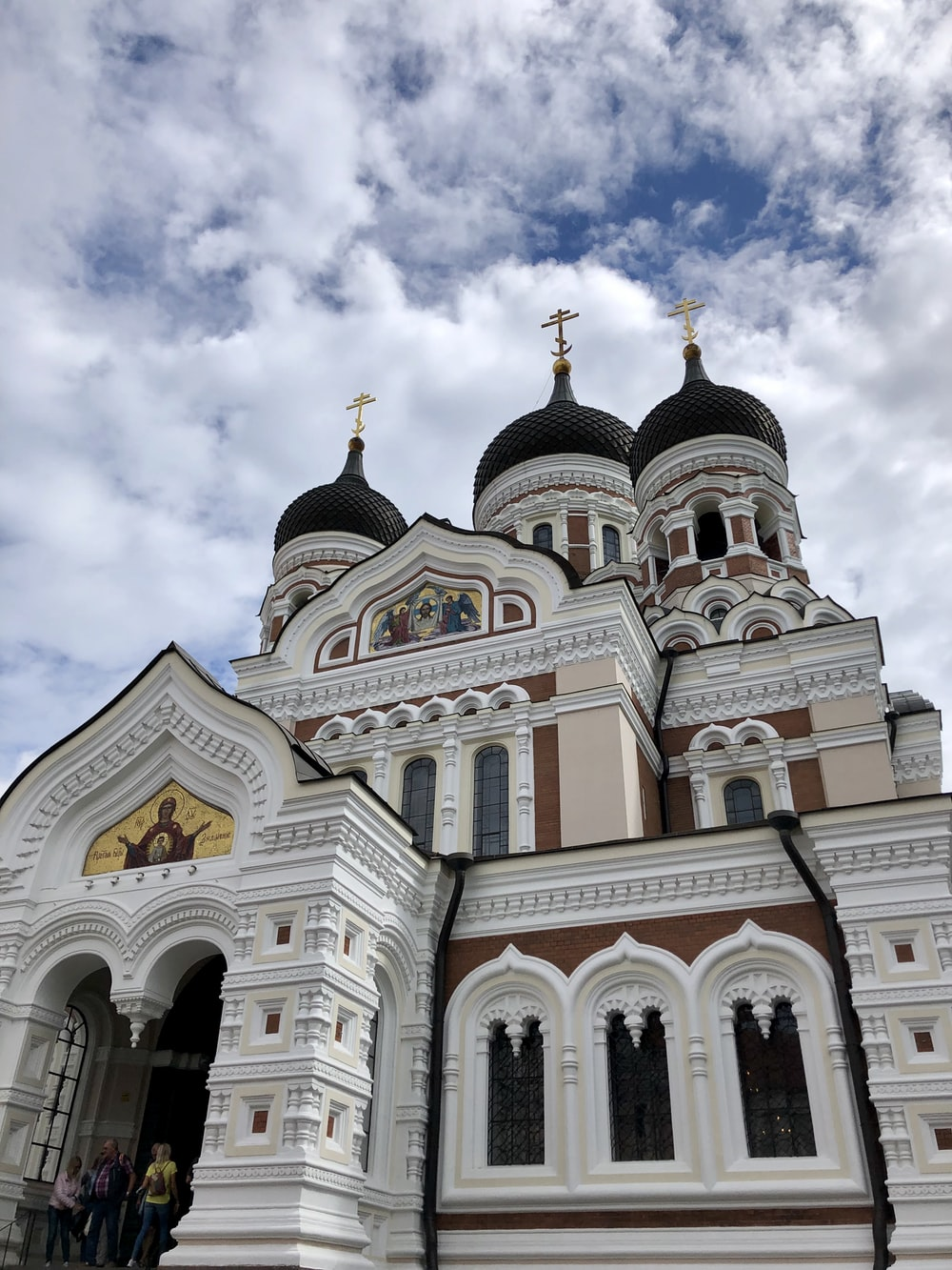 white and black church