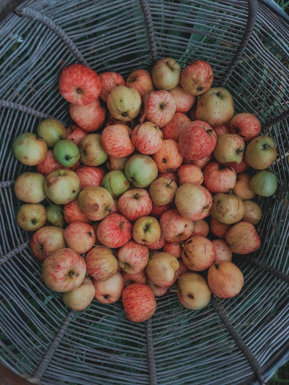apple lot in basket