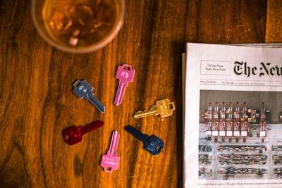 assorted-color keys