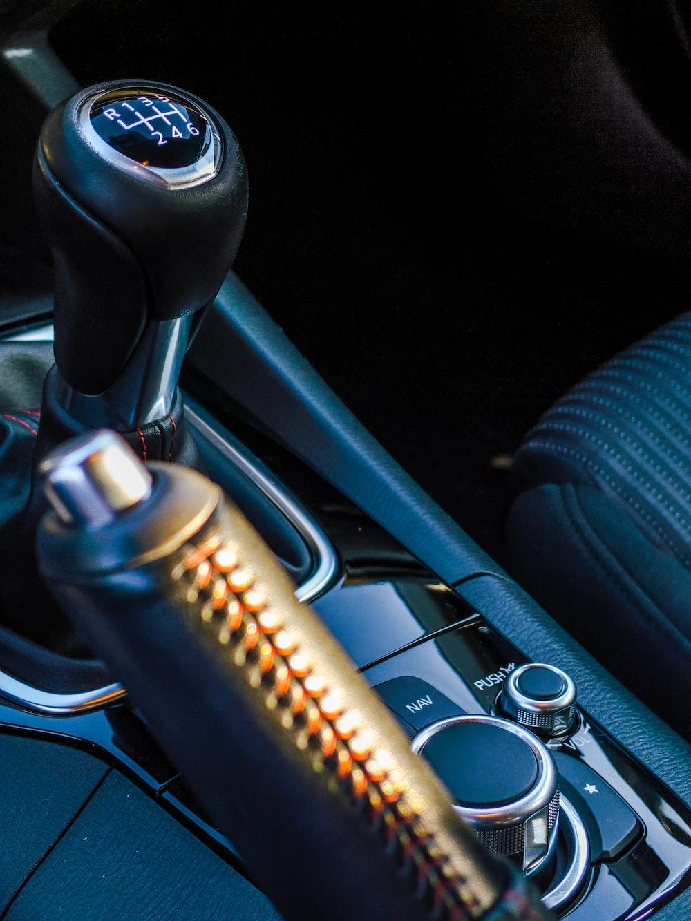 closeup photo of vehicle gear shift lever