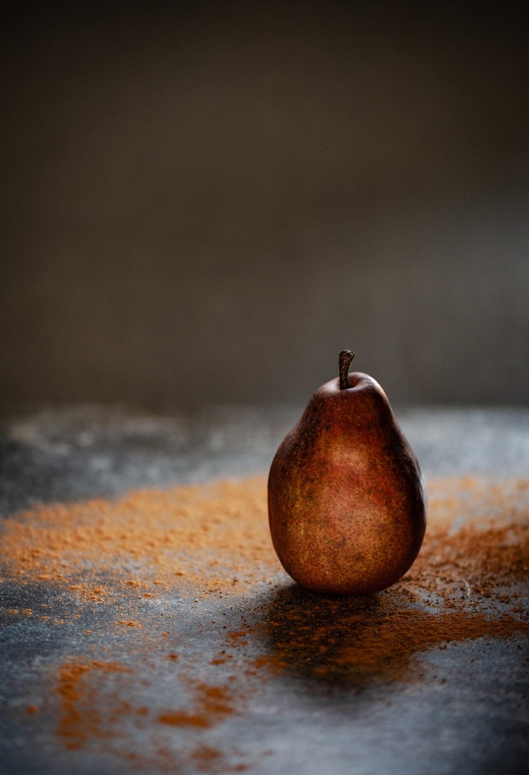 Pear, window light, cinnamon