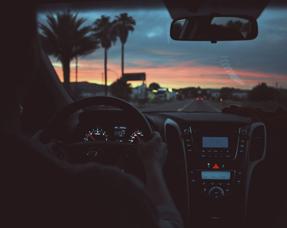 500 Night Driving Pictures Hd Download Free Images On Unsplash