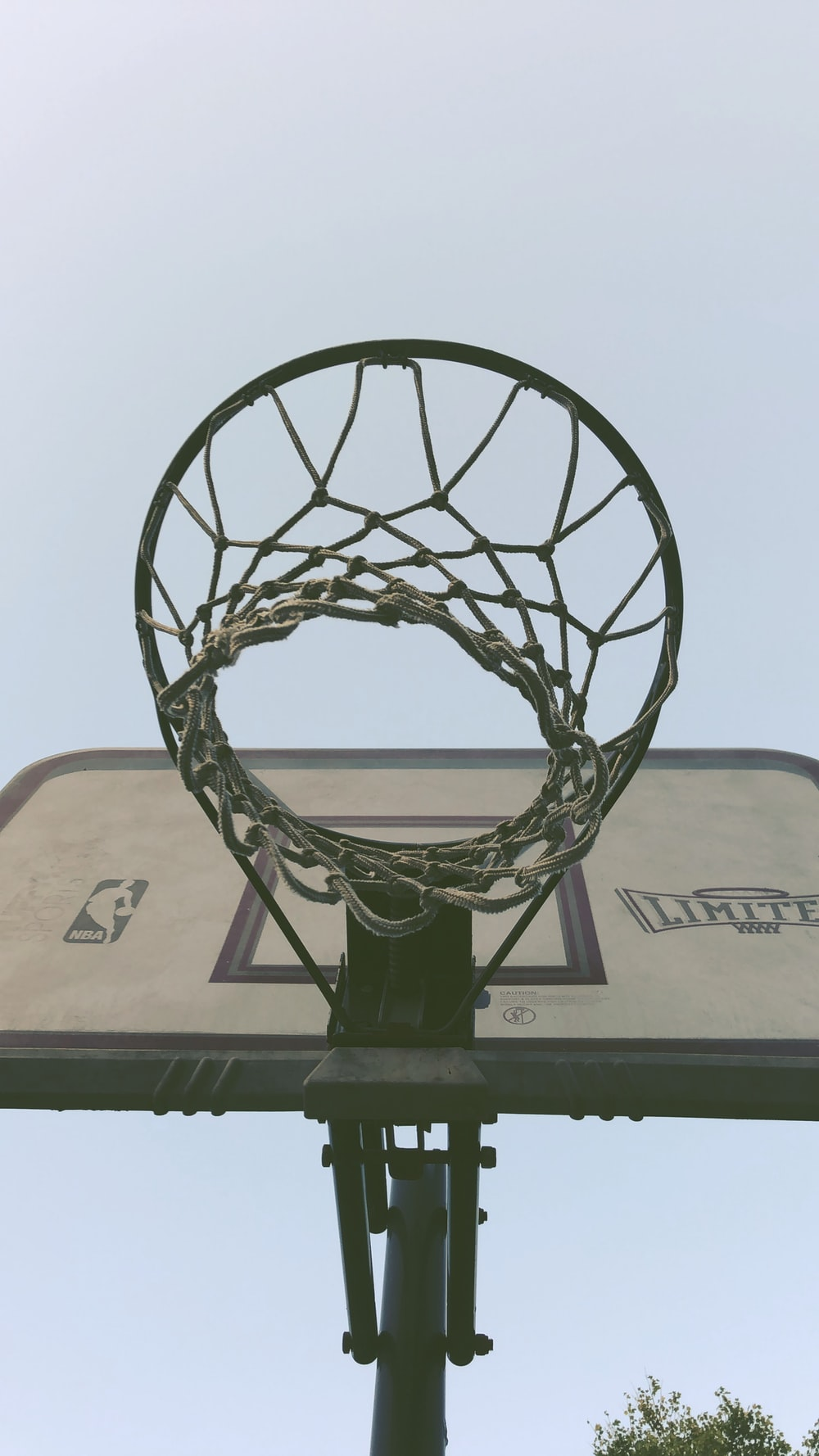white and black basketball hoop