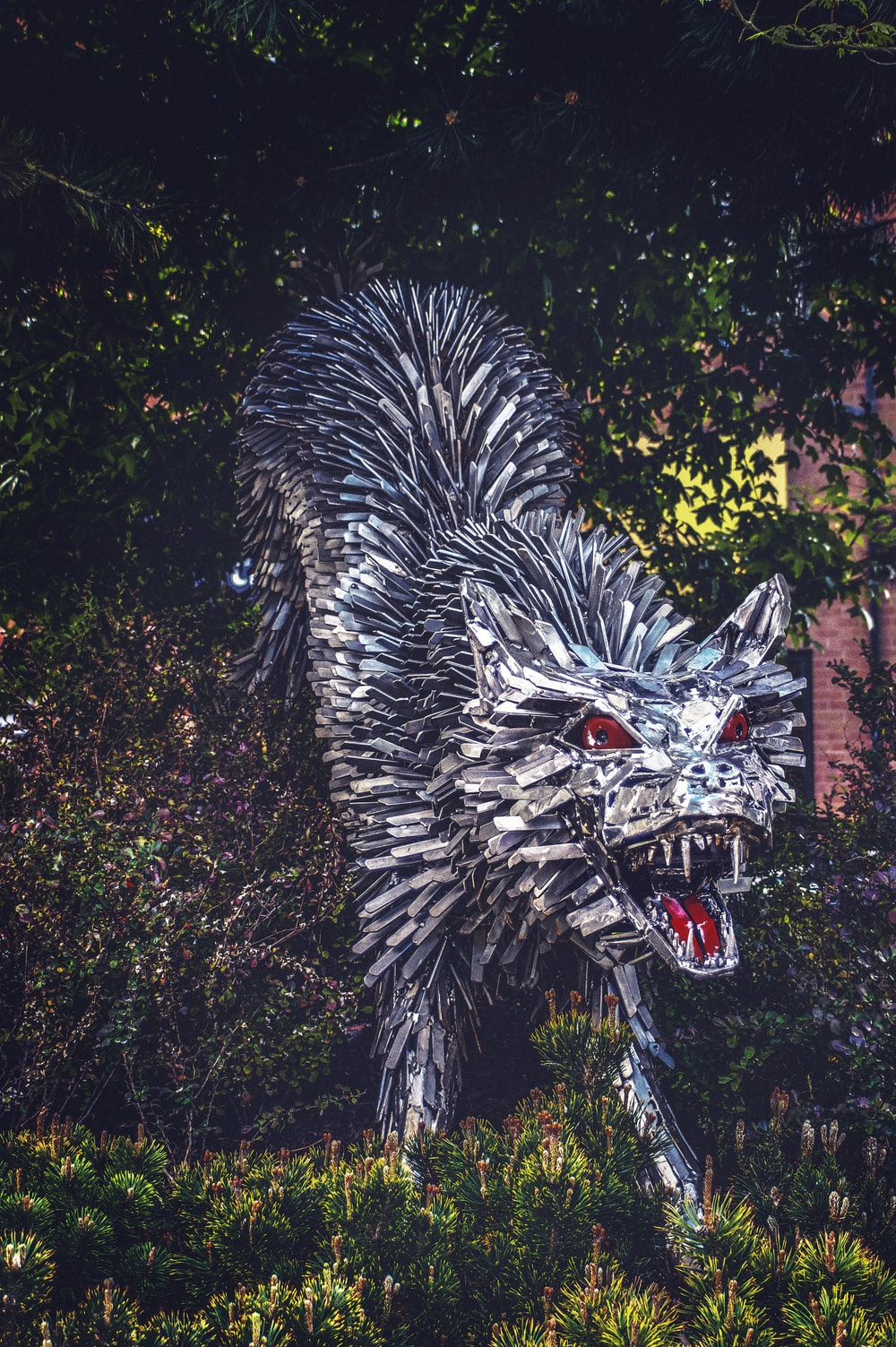 white wolf with red eyes statue
