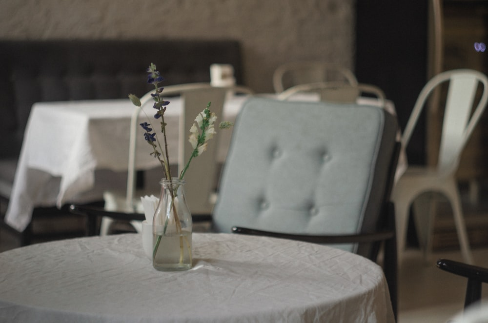 clear glass floral vase