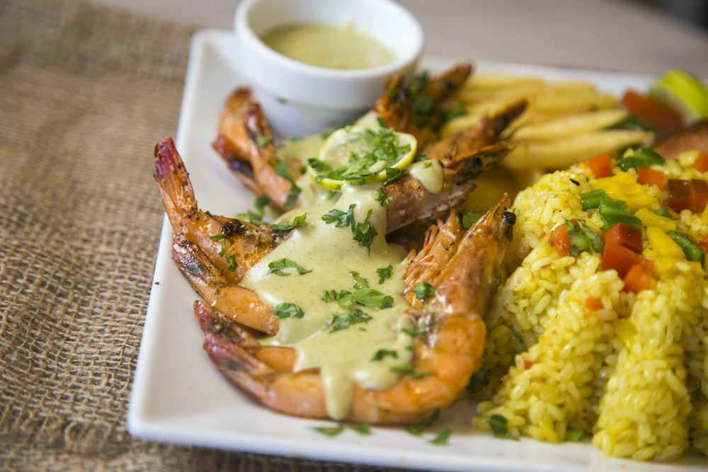 prawn with cream sauce and vegetable rice