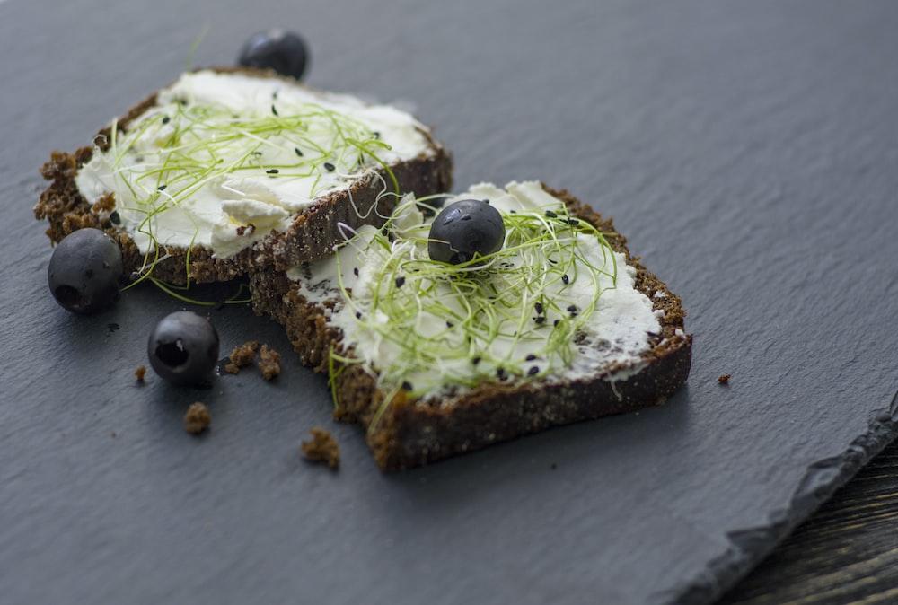 blackberry fruit and baked breads