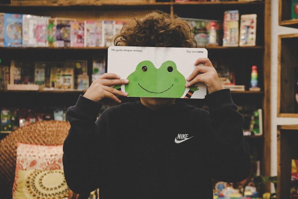 green frog drawing