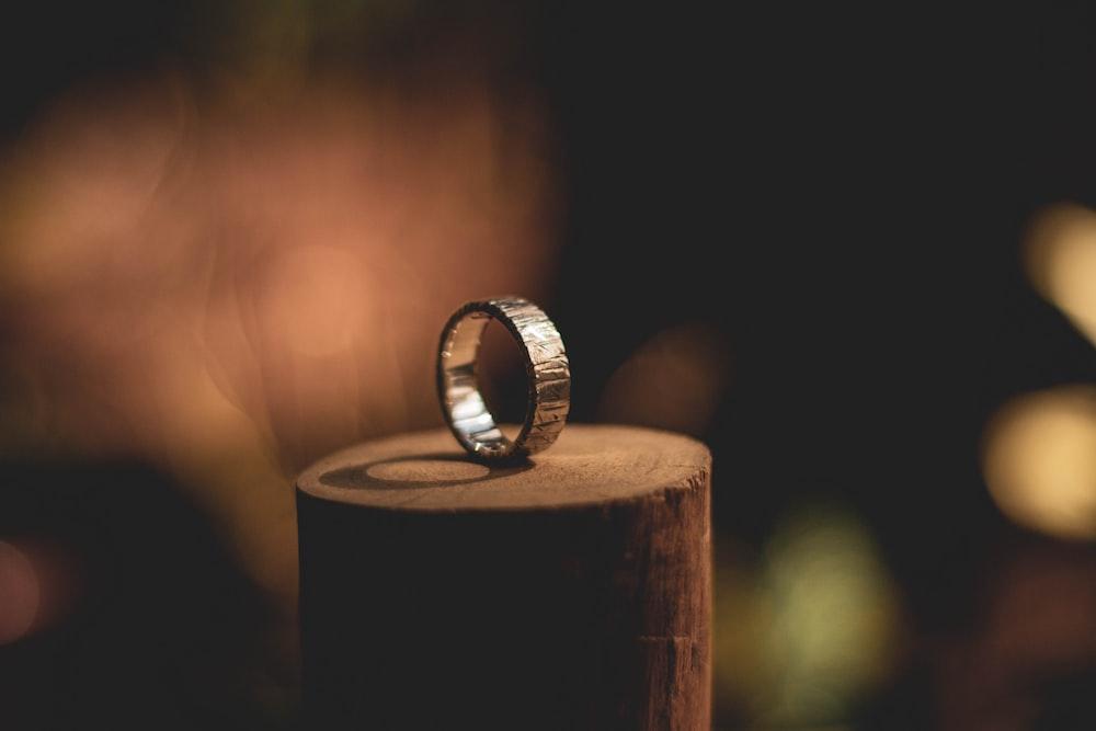 ring on log