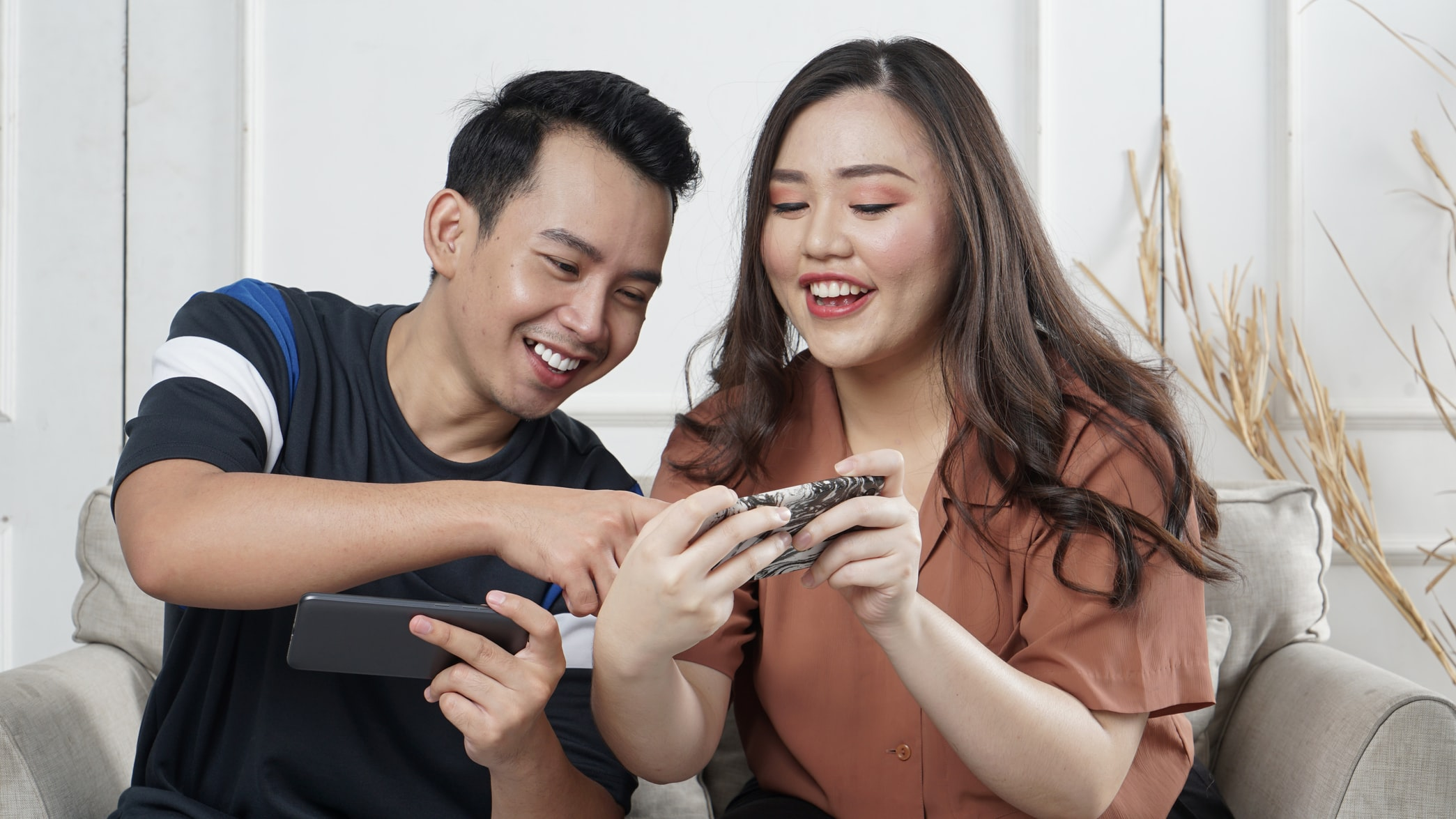 users watching video on phone