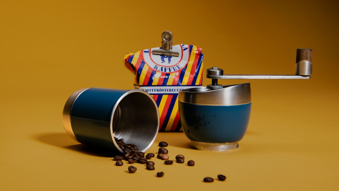 Coffee roast and grind tool. Product design by Reto Zeltner